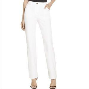ST JOHN SPORT    white denim jeans size 8